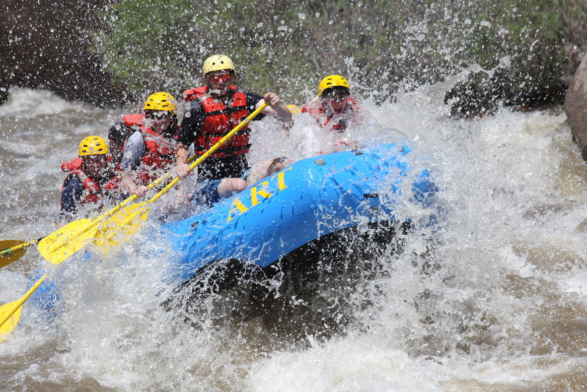 4 White Water Rafting Safety Tips Graves Amp Richard